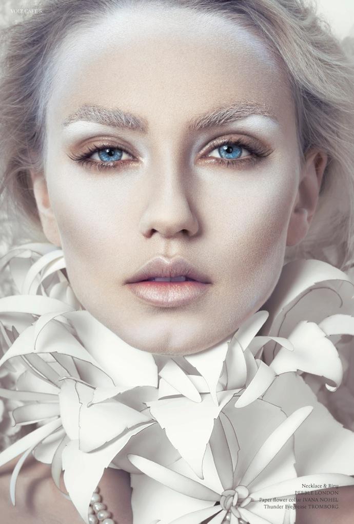 Miss White Layout5