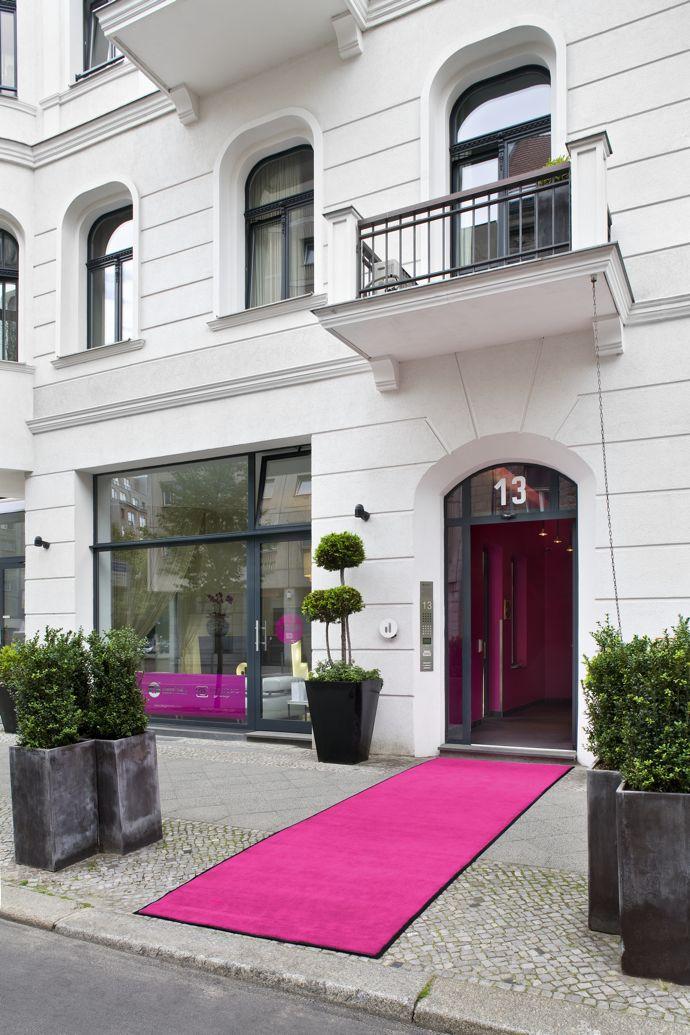 lux 11 berlin volt caf by volt magazine. Black Bedroom Furniture Sets. Home Design Ideas
