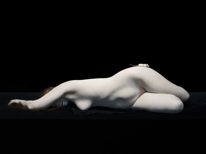 Isley lying with white mouse on hip, 2012©Nadav Kander, courtesy Flowers Gallery, London